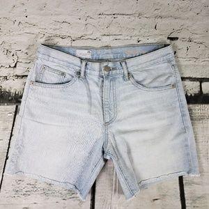 Gap Sexy Boyfriend Bermuda Light Wash Shorts 26